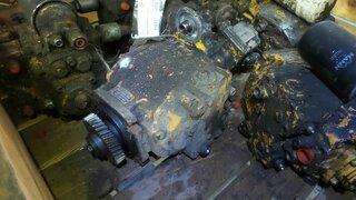 Hydraulic advancement pump for LIEBHERR LR631B