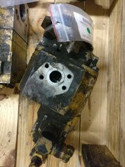 Auxiliary hydraulic pump for CATERPILLAR 963B