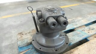 Swing hydraulic motor for CASE CX130