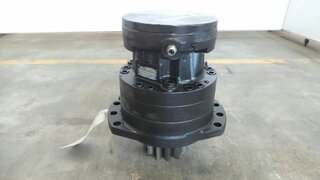 Swing drive gear motor for VOLVO EC160