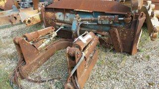 Bulldozer blade for CATERPILLAR D4H