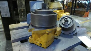 Translation hydraulic motor for LIEBHERR R902LI