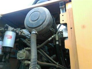 Air filter holder for LIEBHERR A914