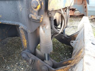 Blade lift cylinder for LIEBHERR A902LI