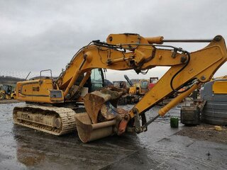 Central lubrication system for LIEBHERR R916LC