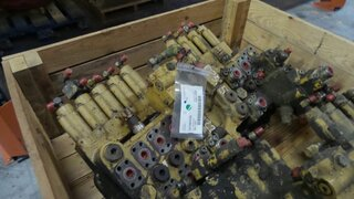 Hydraulic distributor for CATERPILLAR 322