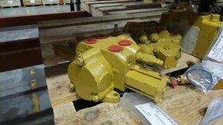 Hydraulic distributor for CATERPILLAR 924F