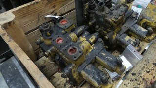 Hydraulic distributor for CATERPILLAR 950FII
