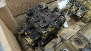 Hydraulic distributor for CATERPILLAR 936