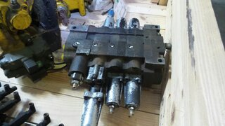 Hydraulic distributor for JCB 416HT